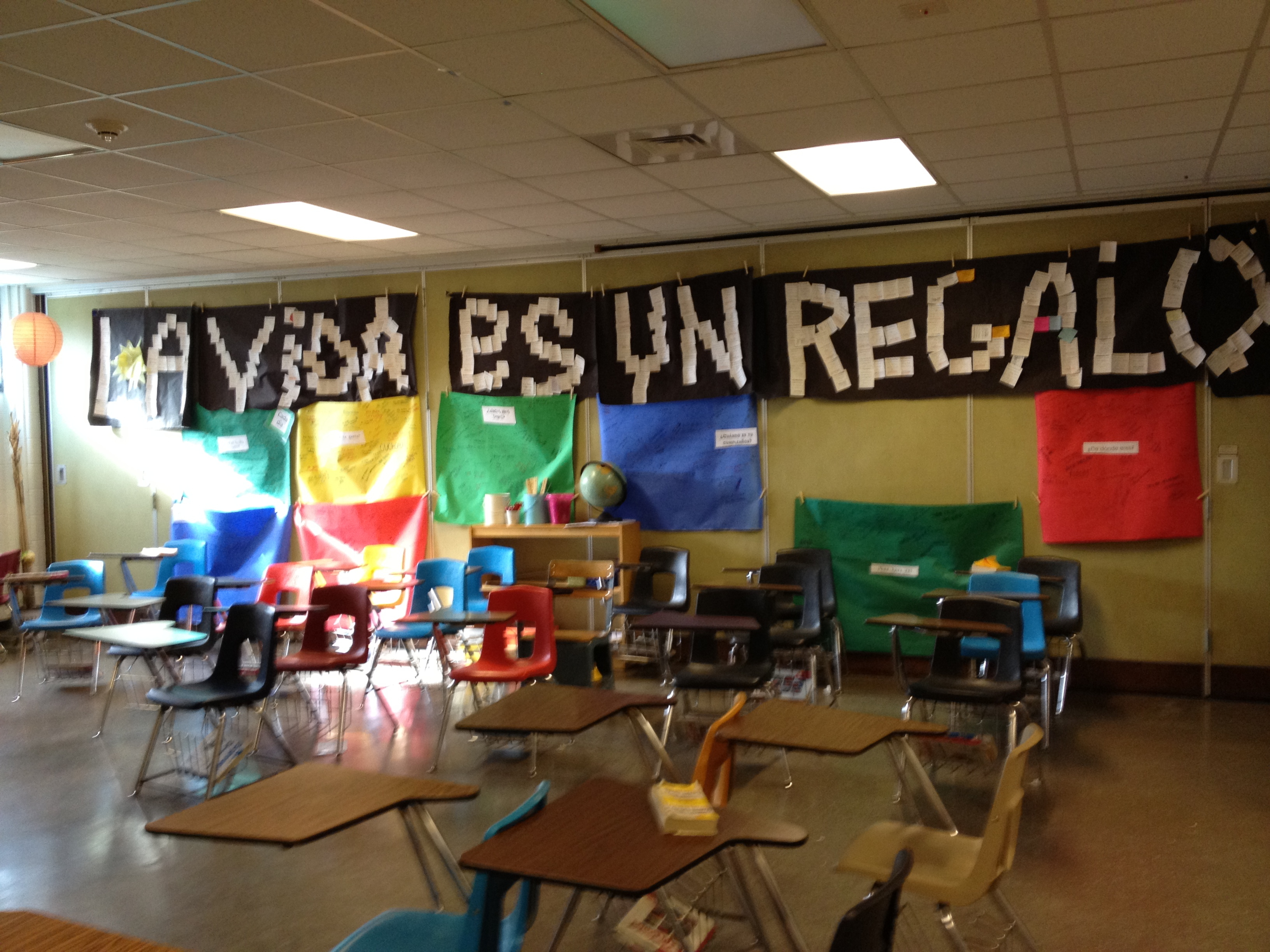 Cheap Spanish Classroom Decorations ~ Decorate your classroom with a new phrase and let them
